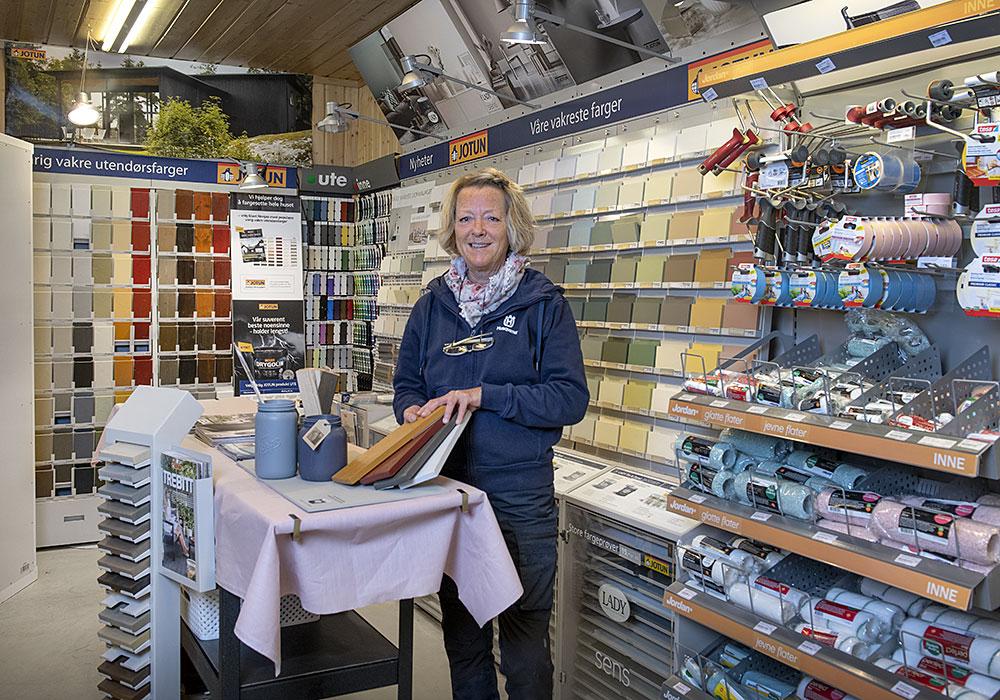 Hus & Hage i Hvittingfoss fører et stort utvalg av maling, lakk og beis